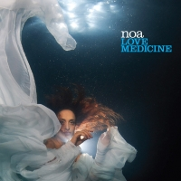 Noa's underwater photo shooting for the Love Medicine album cover |