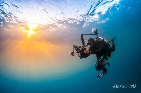 A Sunset  and  diver photographyer