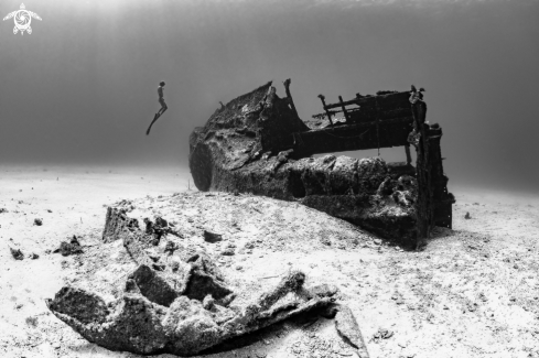 A free diver with wreck