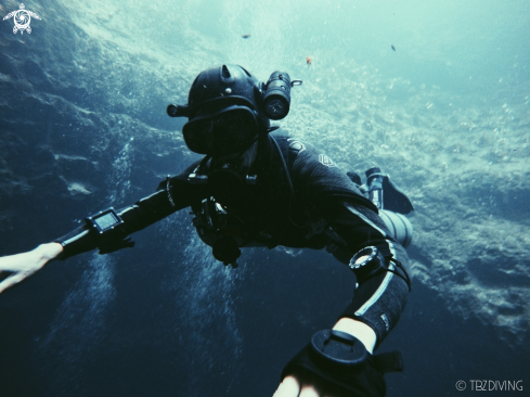 The Sidemount diver in Cenotes